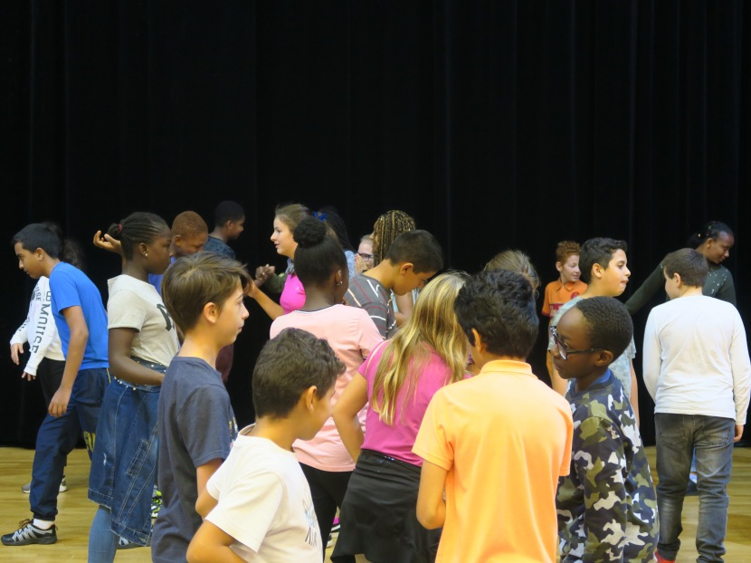 Première rencontre inter-collèges au théâtre de laMerise